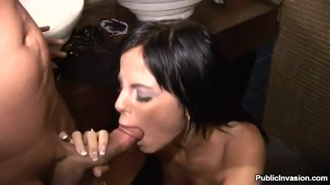 haar laten pijpen pompen en vol sperma ejaculeren